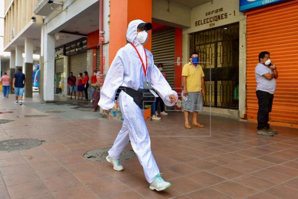 Ecuador registra 3.592 muertes oficiales y 42.106 positivos por COVID-19