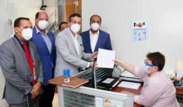 Depositan informe en gastos de campaña de Abinader; ascienden a RD$522 millones
