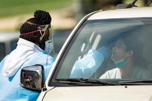 Estados Unidos supera 1,8 millones de casos de COVID-19 con 105.003 muertos