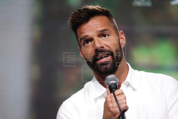 Ricky Martin pide