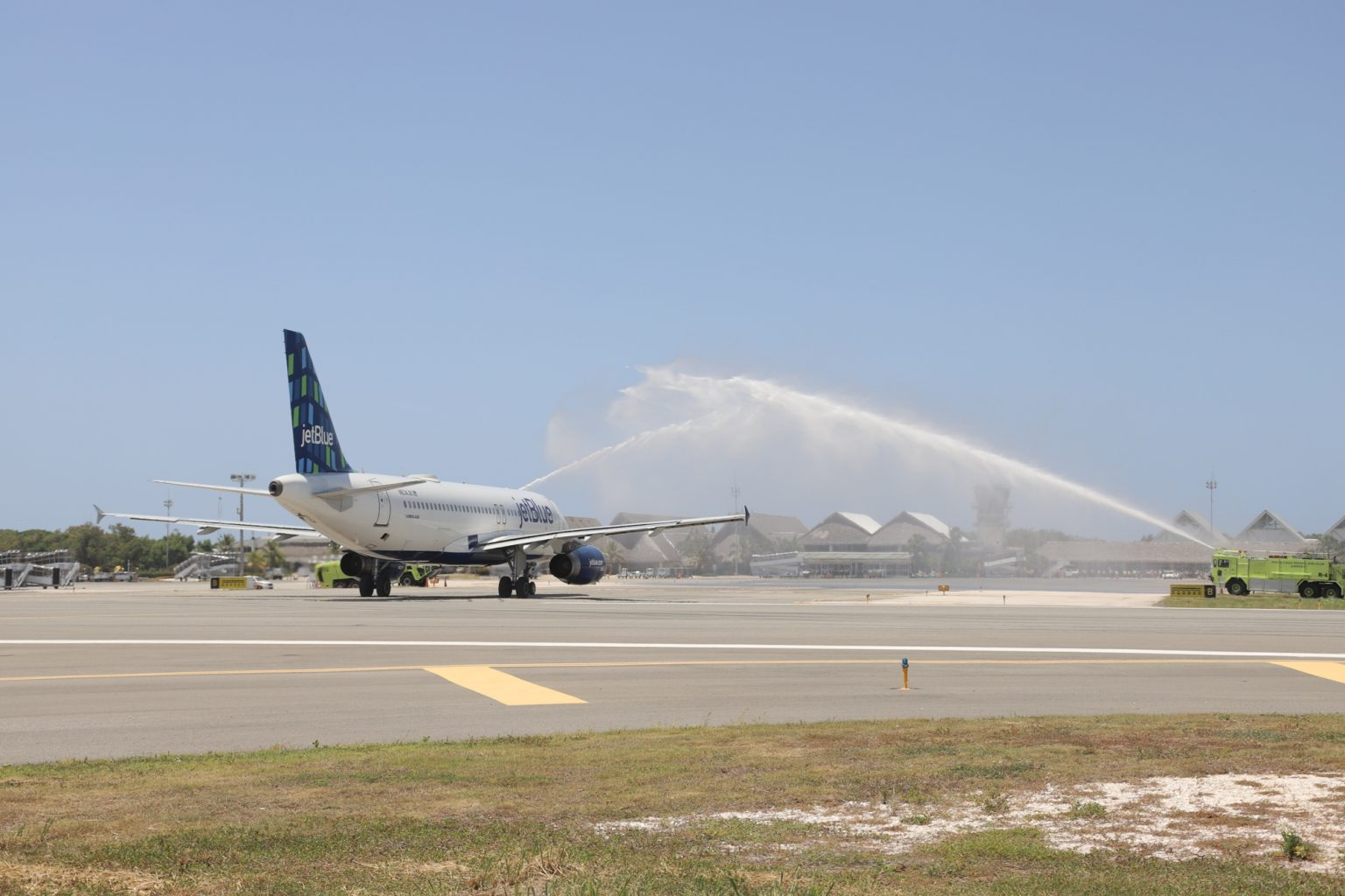 ¿Cuántos pasajeros recibió el aeropuerto de Punta Cana en su reapertura?