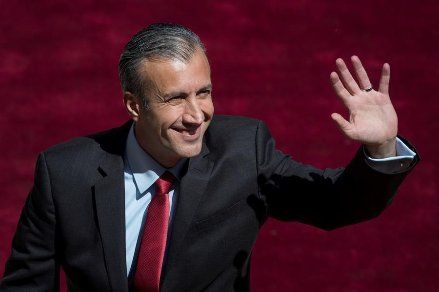 El vicepresidente económico de Venezuela, Tareck el Aissami, tiene COVID-19