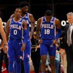 Brett Brown se jugará su puesto como entrenador de los 76ers en el regreso de la NBA