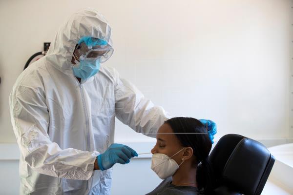 Los contagios van al alza en EE.UU., Brasil y México pero siguen reaperturas