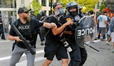 La mayoría en EEUU apoya que se pueda enjuiciar a los policías