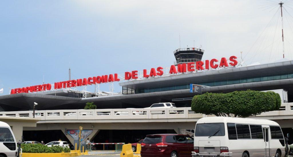Suspenden cinco vuelos del AILA por la Tormenta tropical Isaías