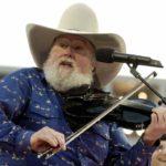 El músico de country Charlie Daniels muere a los 83 años