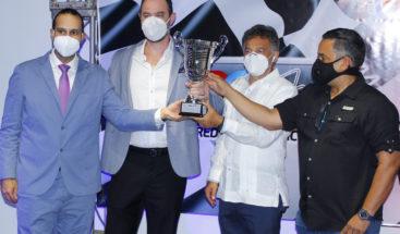Pilotos de autos celebran su premiación de ganadores 2019