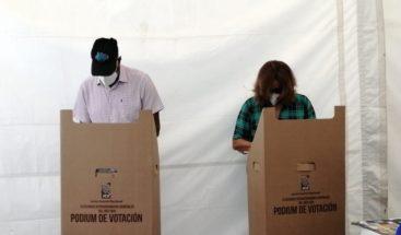 Candidato a diputado Jandy Ventura ejerce derecho al voto