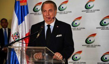 Ministro de Cultura dispuesto a explicar sus actos a Milagros Ortiz Bosch