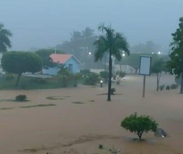 Isaías descarga fuertes lluvias en el país; podría ser huracán según CNH
