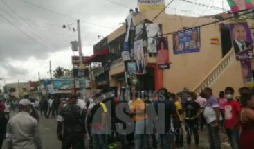 Votantes no cumplen distanciamiento en centros del sector Mendoza