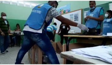 ¡Inicia el conteo! recintos de votación cierran sus puertas