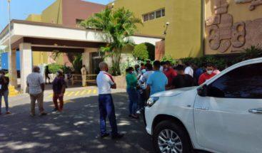 Entre reclamos por irregularidades, Junta Electoral DN continúa revisión de actas