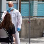 EE.UU. suma récord de 65.305 contagios y llega a 133.900 muertos por COVID-19