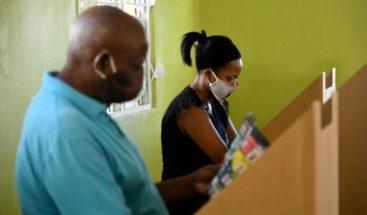 El país fue a las urnas con mascarilla y sin miedo al coronavirus