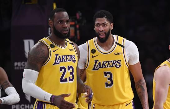Sin LeBron y Davis, Lakers ganan a Wizards en juego de preparación
