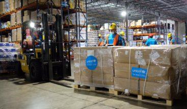 UNICEF entrega 10 toneladas de equipos de protección para personal de salud