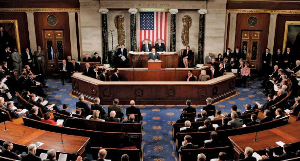 Senado de EEUU aprueba sanciones a empresas chinas que amenacen a Hong Kong
