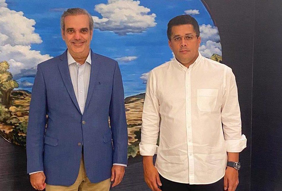 Luis Abinader se reúne con exalcalde David Collado