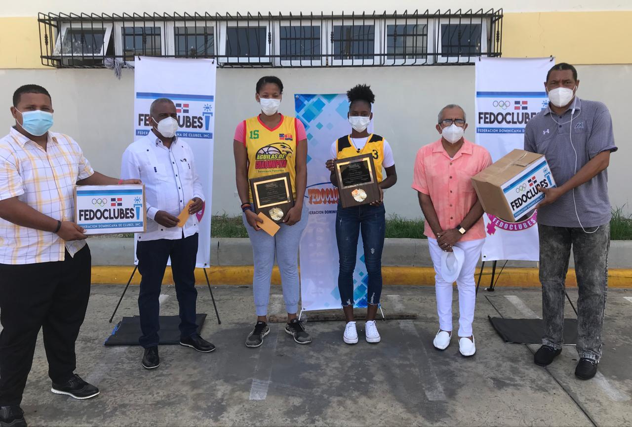 Atletas Monsac y Rodríguez premiadas en torneo basket de Fedoclubes