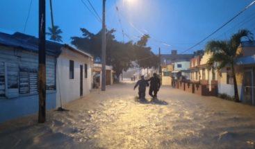 PN y Fuerzas Armadas desalojan personas en varias comunidades