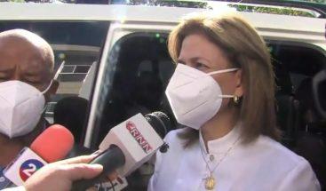 Raquel Peña acude a votar en Santiago