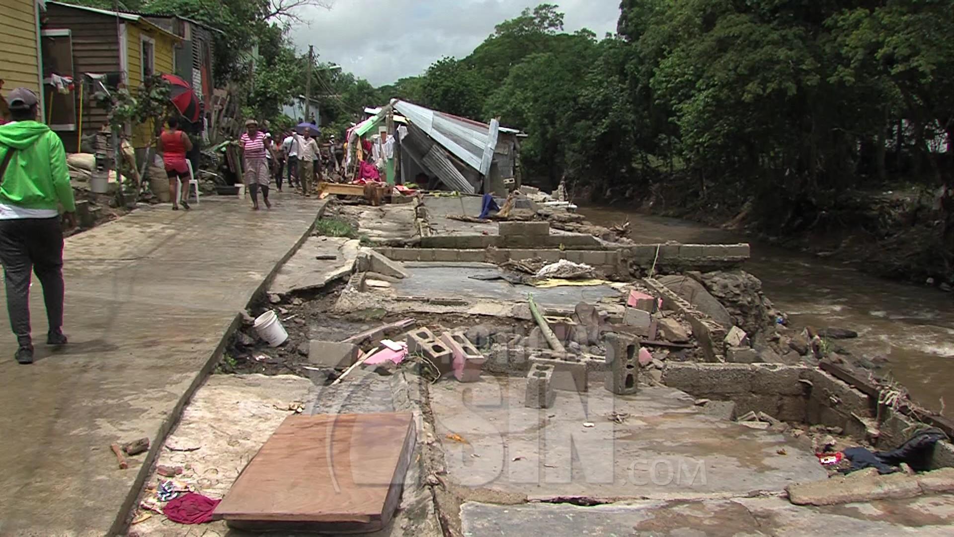 Panorama desolador en Hato Mayor y SFM tras el paso de tormenta Isaías