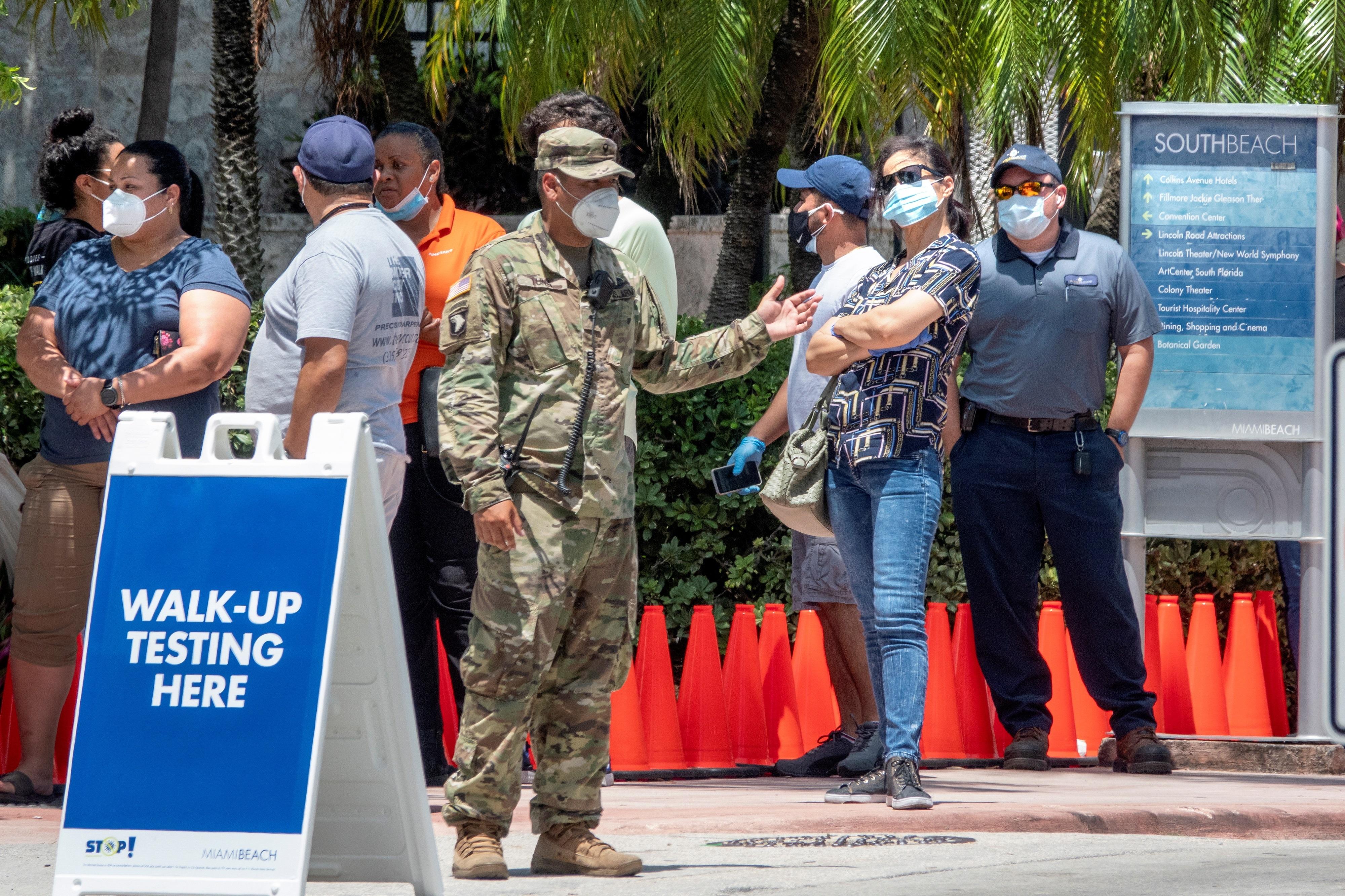 Florida registra nuevo récord de casos diarios: más de 10.000