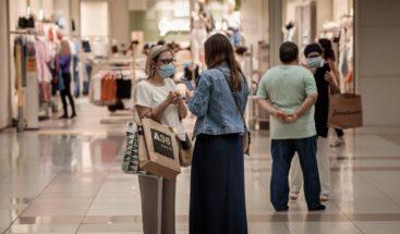 Encuesta: ¿Apoya que las autoridades cierren centros comerciales que violen normas sanitarias?