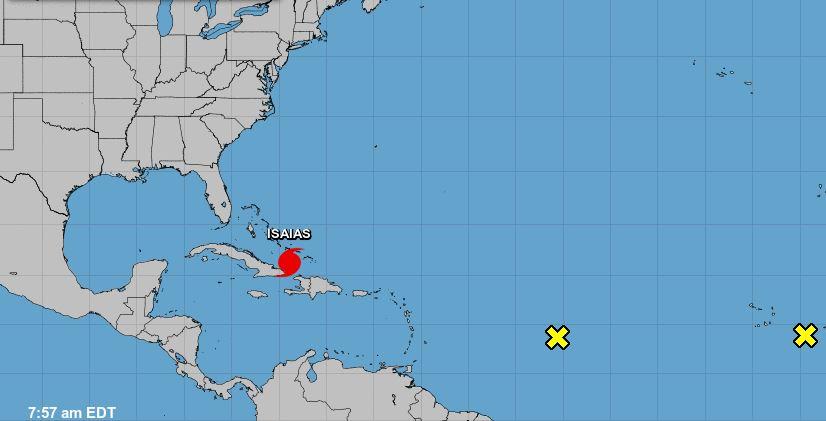 El huracán Isaías sacude Turcos y Caicos en su avance hacia Bahamas