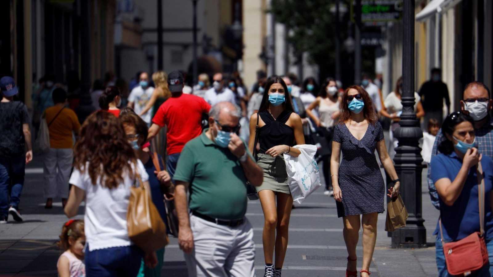 Los habitantes de Madrid tendrán cartilla sanitaria individual sobre COVID-19