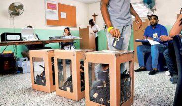 El país registra la más alta abstención electoral con un 44,71 %