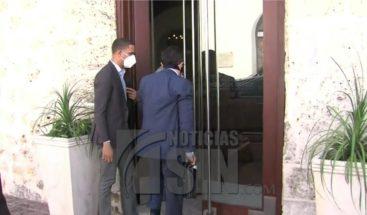 Gobernador del Banco Central se reúne con Luis Abinader