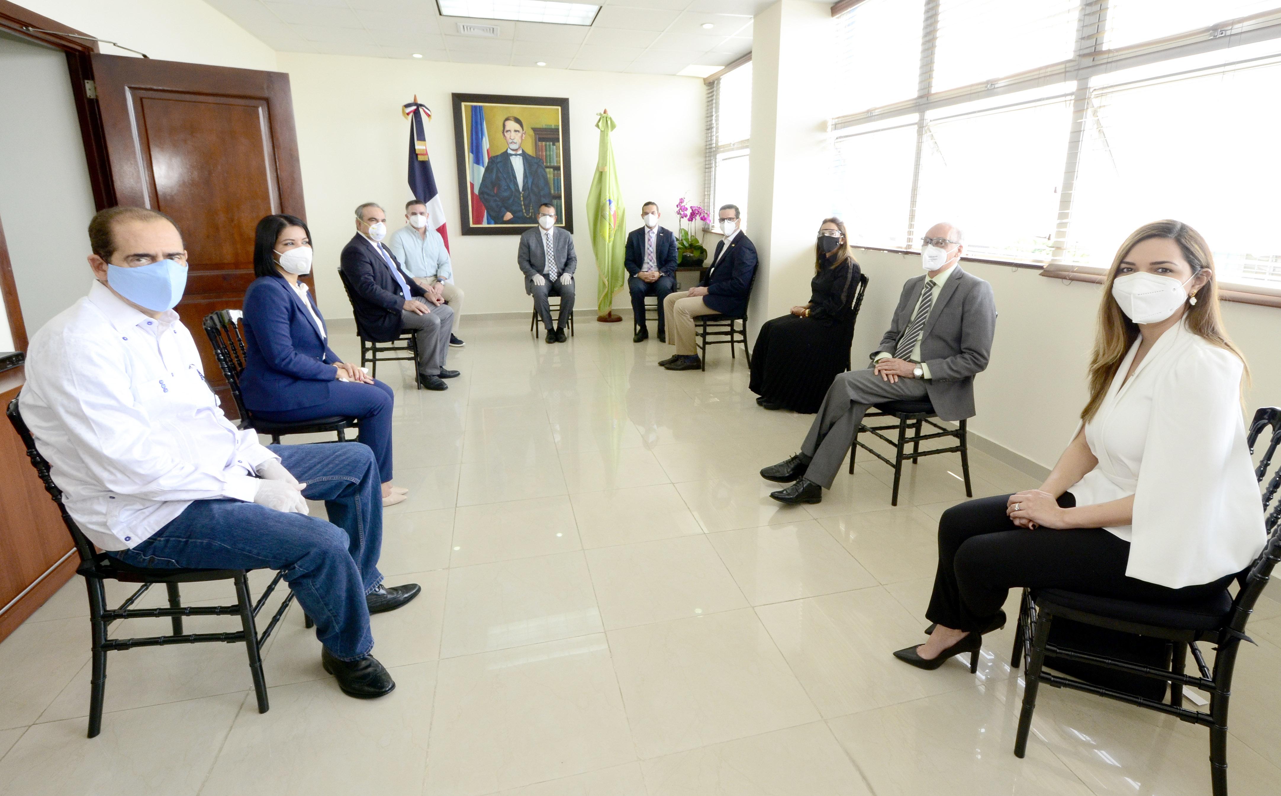 Pleno del TSE recibe a representantes del Conep, Anje y AIRD previo a comicios