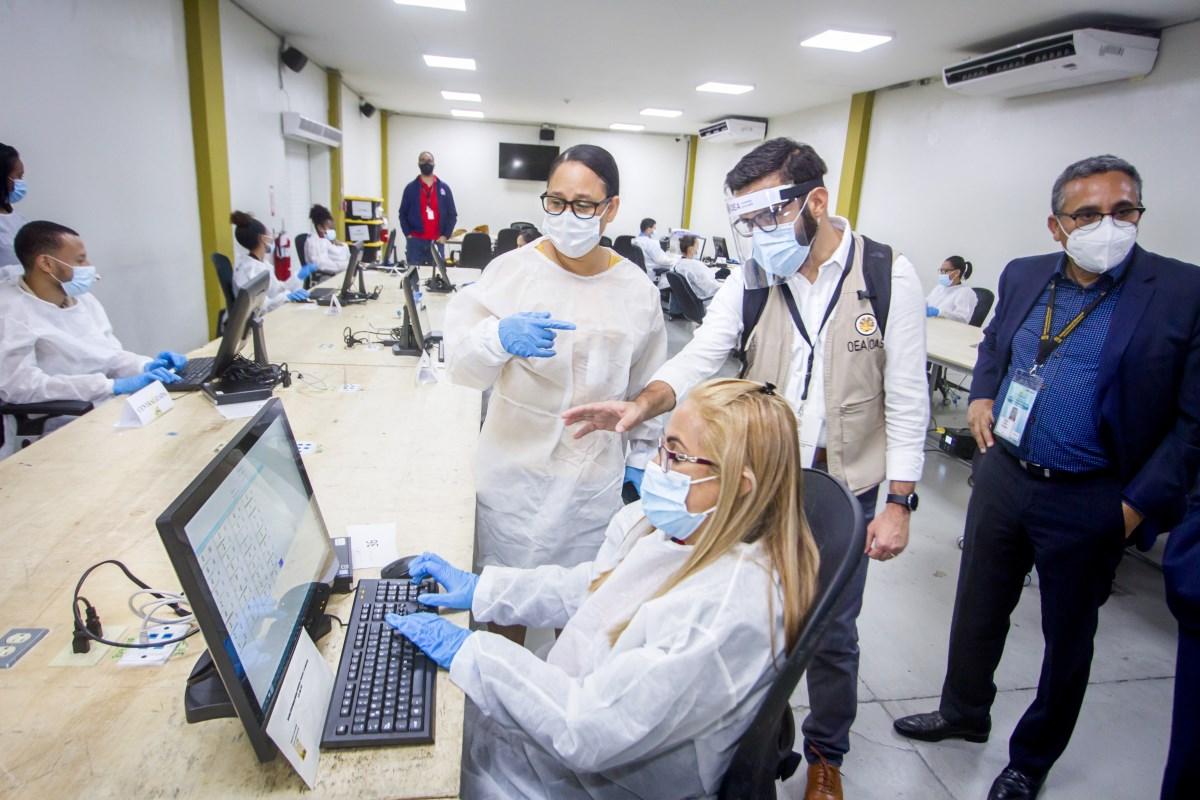 Realiza prueba del Centro de Digitación Centralizada que dará soporte a votación del exterior