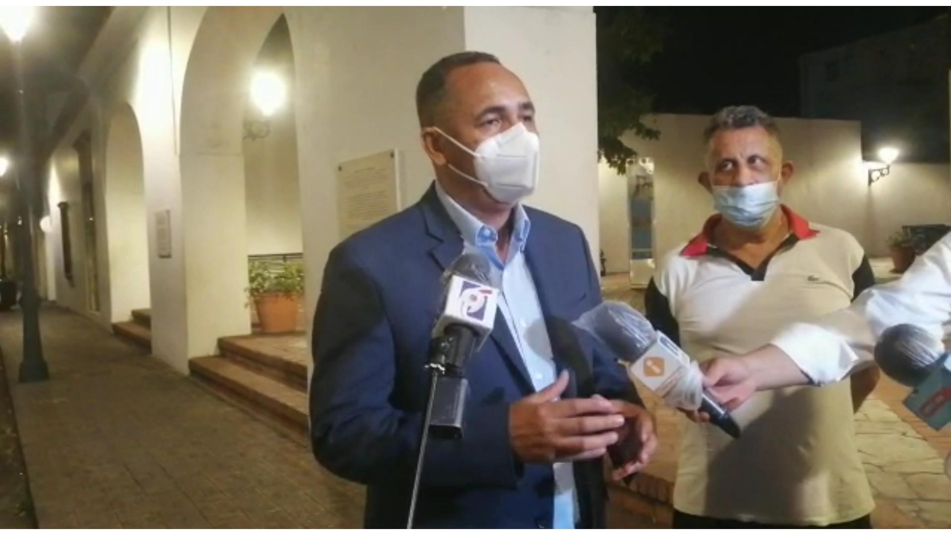 Luis Abinader continúa reuniéndose con personalidades del ámbito político