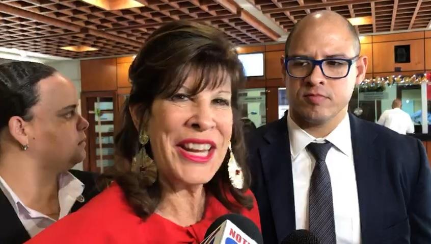 Embajadora de EEUU retoma labores diplomáticas en RD