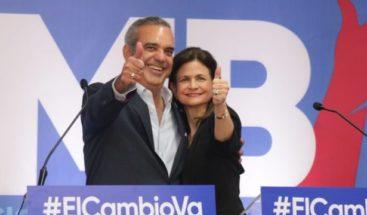 Luis Abinader y Raquel Peña alientan a sus seguidores tras votar