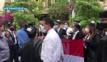 Abogados protestan en SFM para que reabran tribunales