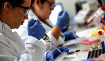 EE.UU. supera los 157.900 muertos y 4,8 millones de contagios por COVID-19