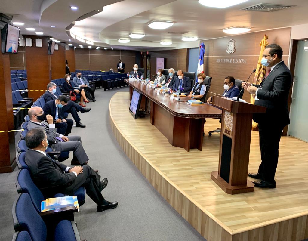 JCE presenta estatus de elecciones a diplomáticos que estarán como observadores
