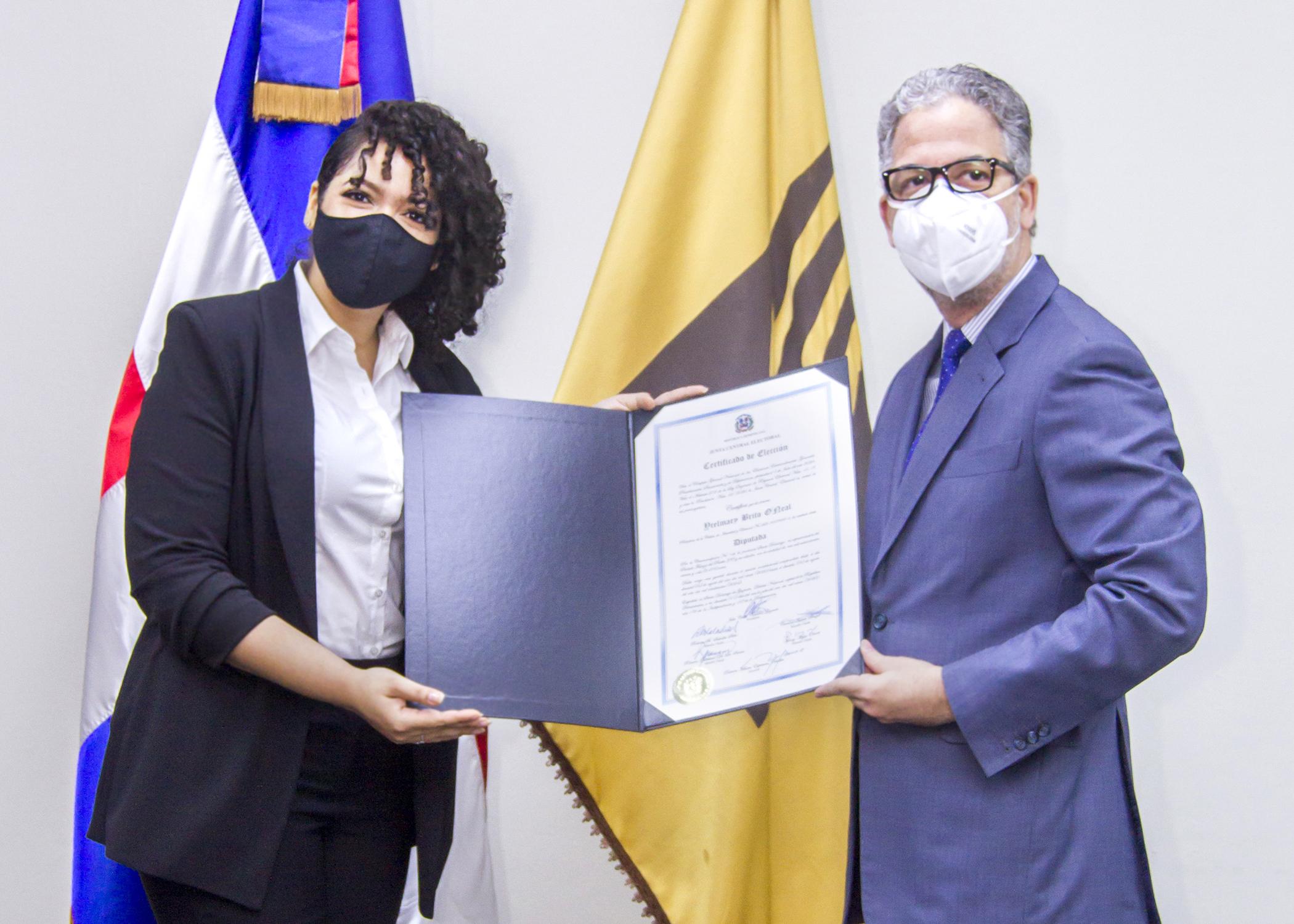JCE inicia entrega de Certificados de Elección del Nivel de Diputaciones