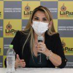 La presidenta de Bolivia recibe ánimos tras comunicar que padece la COVID-19