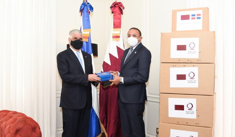 Canciller recibe donativo de insumos médicos de ONG Qatar