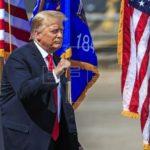 Frente a la crisis de estatuas Trump propone más estatuas