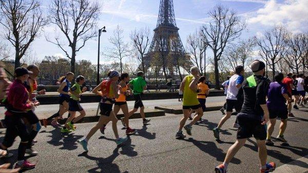 Se aplazan de nuevo el maratón de París a noviembre y la media maratón