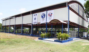 Comité Olímpico Dominicano entrega polideportivo en Elías Piña