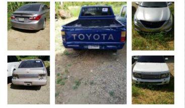 Arrestan a tres personas acusadas de robar 14 vehículos