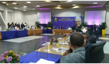 Con la participación de Medina y ausencia de Gonzalo inicia reunión del Comité Político del PLD